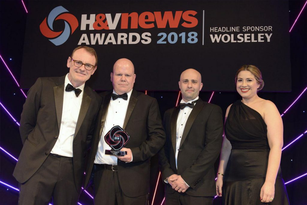 "A.C. Wilgar wins ""Smart installer"" of the year at H&V News Awards 2018 with Sean Lock"